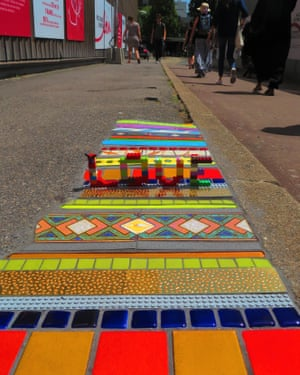Sidewalk art by artist Em Emem