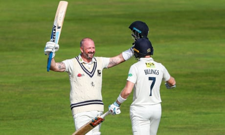 County cricket: Kent's Stevens and Billings share 346 runs – as it happened