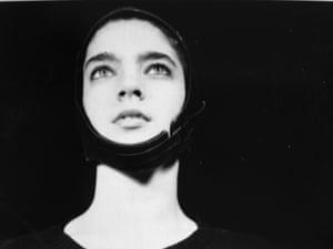 Rachelle Garniez, Pilot model, 1985