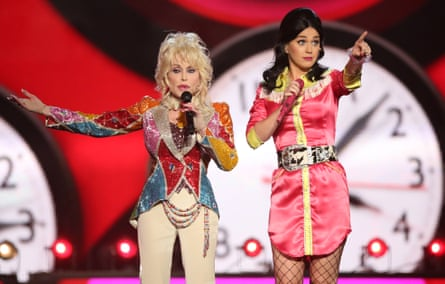 """Dolly Parton and Katy Perry perform """"Coat Of Many Colors"""" at the 51st annual Academy of Country Music Awards in April."""