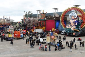 Floats get ready on the morning of the carnival