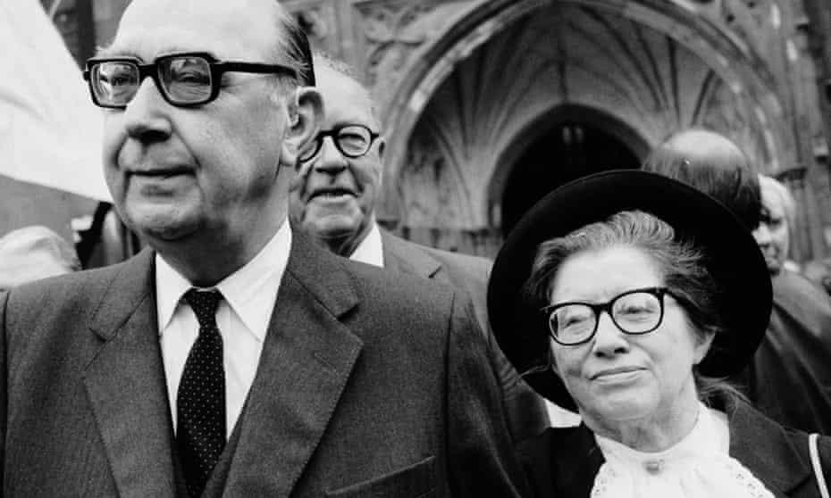 Monica Jones with Philip Larkin at the memorial service for poet laureate John Betjeman at Westminster Abbey in 1984