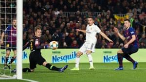 Lucas Vázquez beats Marc-André ter Stegento give Real Madrid the lead.
