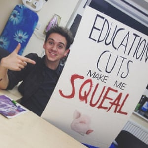Education Cuts Make Me Squeal<br>Preparations for the Grants not Debt demonstration