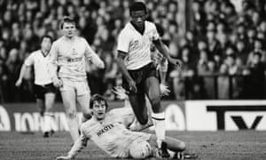 Rosenior evades a tackle from Tottenham's Glenn Hoddle.