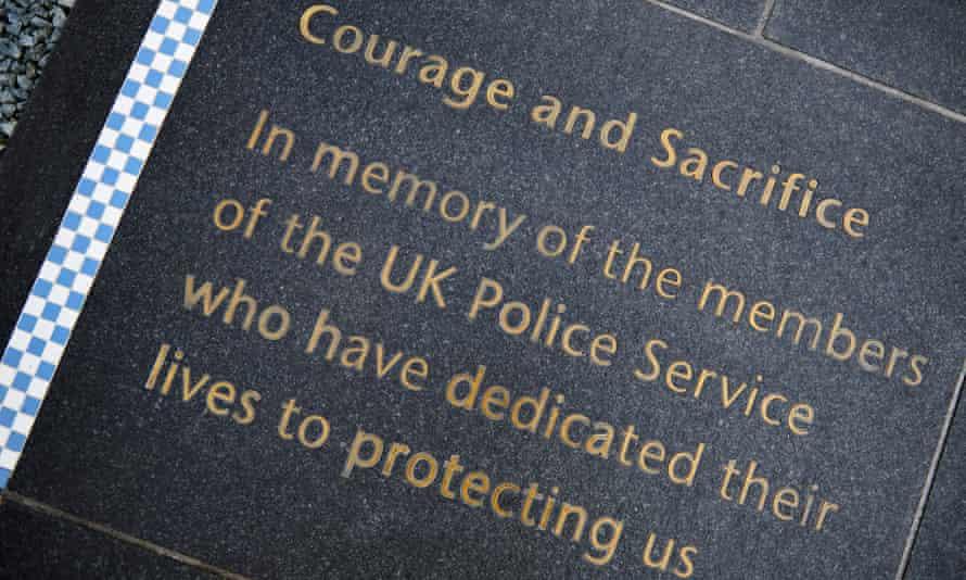 Plaque: 'Courage and sacrifice'