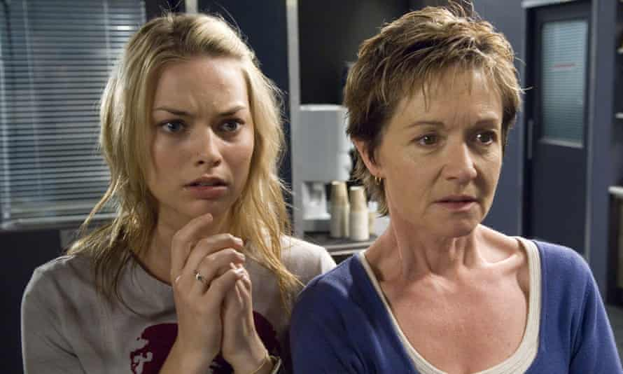Margot Robbie as Donna Freedman in Neighbours, with Jackie Woodburne as Susan Kennedy.