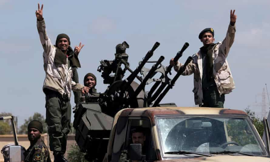 Libyan National Army fighters leaving Benghazi to reinforce troops advancing to Tripoli