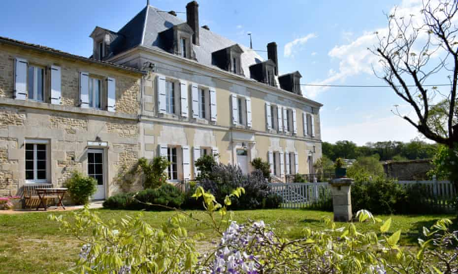 An emotional therapy retreat beamed from France