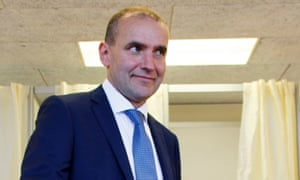 Gudni Johannesson casts his vote in the Icelandic presidential elections in Reykjavik on 25 June.