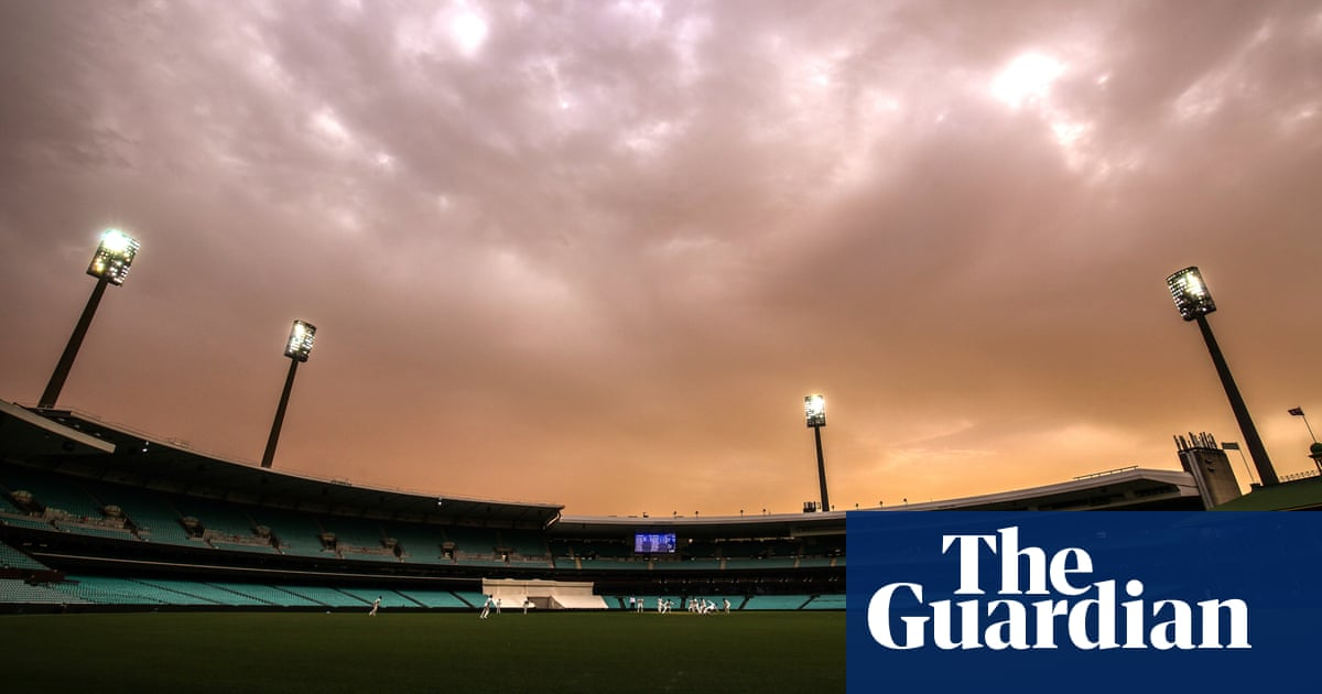 Australia and New Zealand focus on victims as bushfires threaten third Test