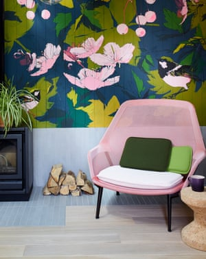 a bold botanical mural by artist Emma Jones (emmajones.ink)