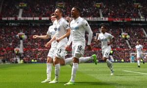 Gylfi Sigurdsson celebrates scoring Swansea City's equaliser against Manchester United at Old Trafford