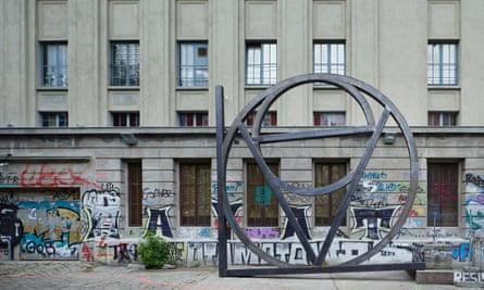 Dirk Bell's Love sculpture.