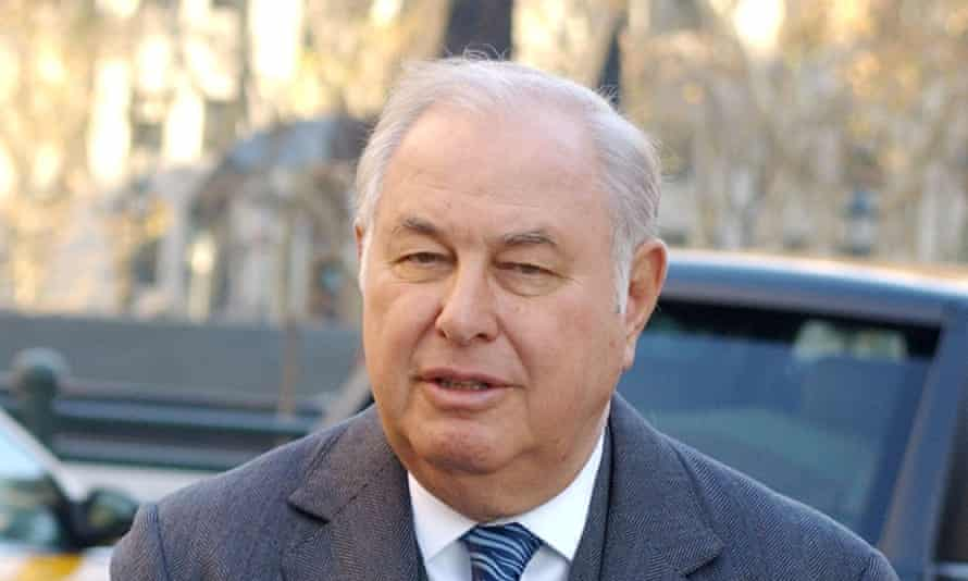 Billionaire philanthropist Alfred Taubman, whose homes were filled with paintings spanning millennia of art history.
