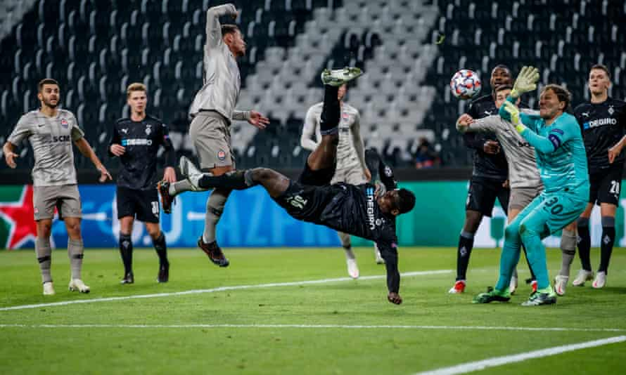 Breel Embolo of Borussia Mönchengladbach score his team's third goal with a overhead kick in the 4-0 win over Shakhtar Donetsk in November.
