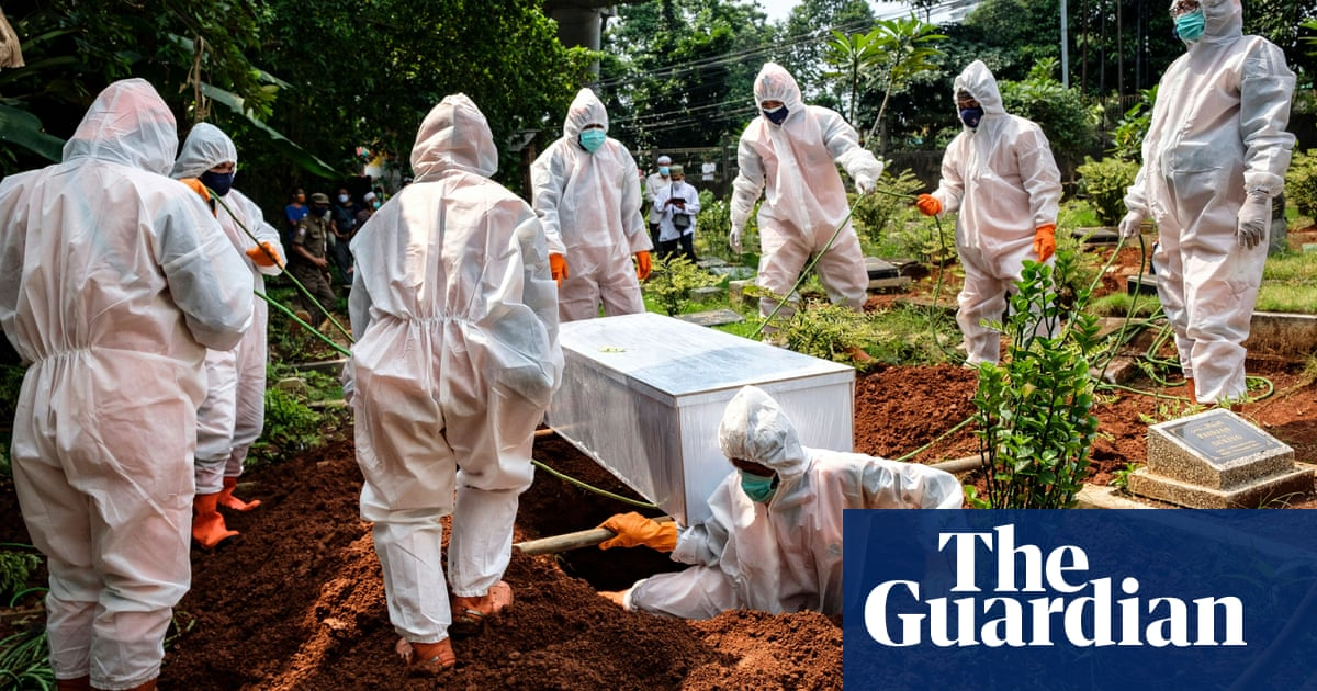Australia to send 2.5m AstraZeneca vaccine doses to Indonesia as Covid infections soar