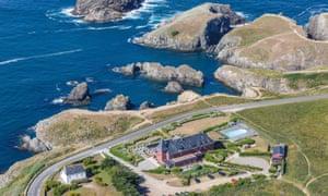 France, Morbihan, Belle Ile, Bangor, Port Goulphar, hotel facing the sea (aerial view)