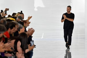 Designer Paul Surridge greets the audience at the end of the show.