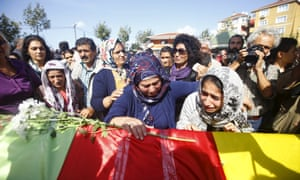 Families of the victims of Ankara's bomb blasts on 10 October