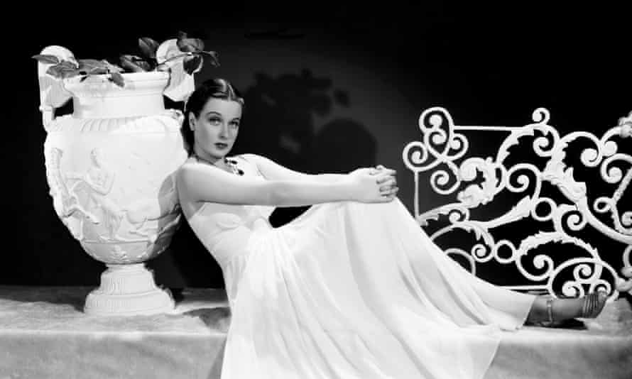 Patricia Morison, a mezzo-soprano, was the first performer to be heard lustily singing Wunderbar, So in Love and, above all, I Hate Men – huge Cole Porter hits from the musical.