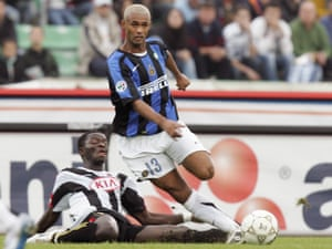 Zé Maria in action for Inter in 2005.