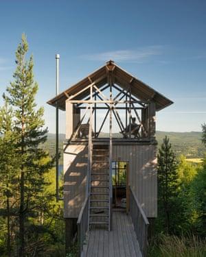 The minimalist Loft House cabin.