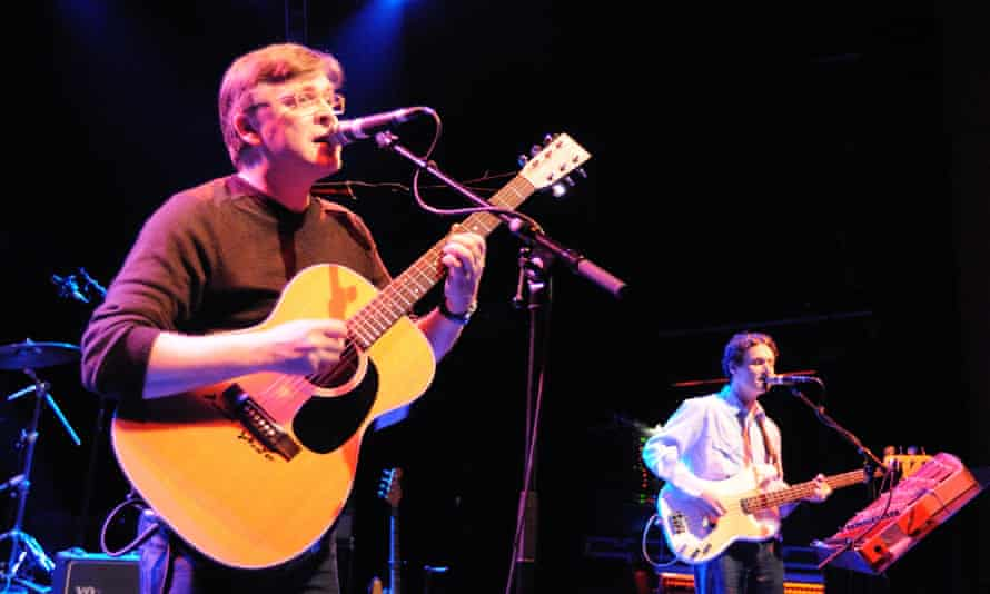 Gerry Love and Norman Blake (with 'difficult' glockenspiel) onstage in 2010.