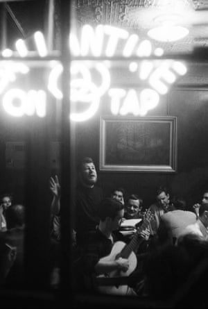 New York City 1959 Hugh Nanton Romney (later known as Wavy Gravy) at a poetry and song night at the White Horse Tavern