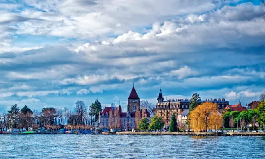 Quay of Geneva lake (Lac Leman) in Lausanne