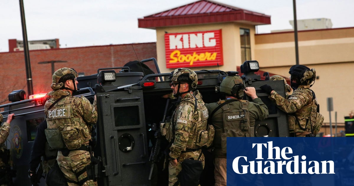 US gun-safety groups call for urgent action after Colorado shooting