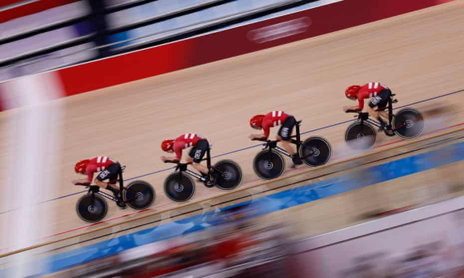 Denmark's pursuit team broke the men's world record by five seconds.