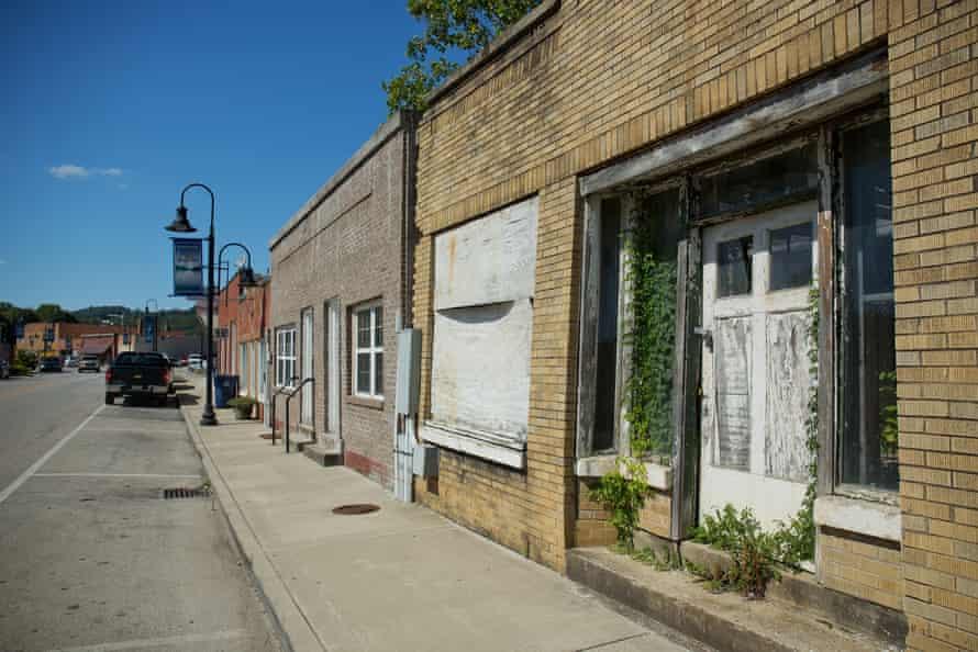 Closed store front, Main Street, Beattyville.