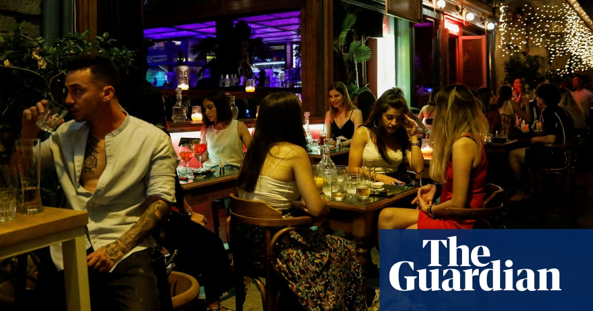 Greece to ban unvaccinated people from indoor bars and restaurants
