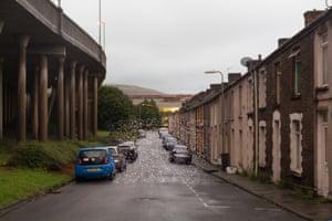 Llewellyn Street by Motorway, Port Talbot, Wales - PM2.5 10 - 20 micrograms