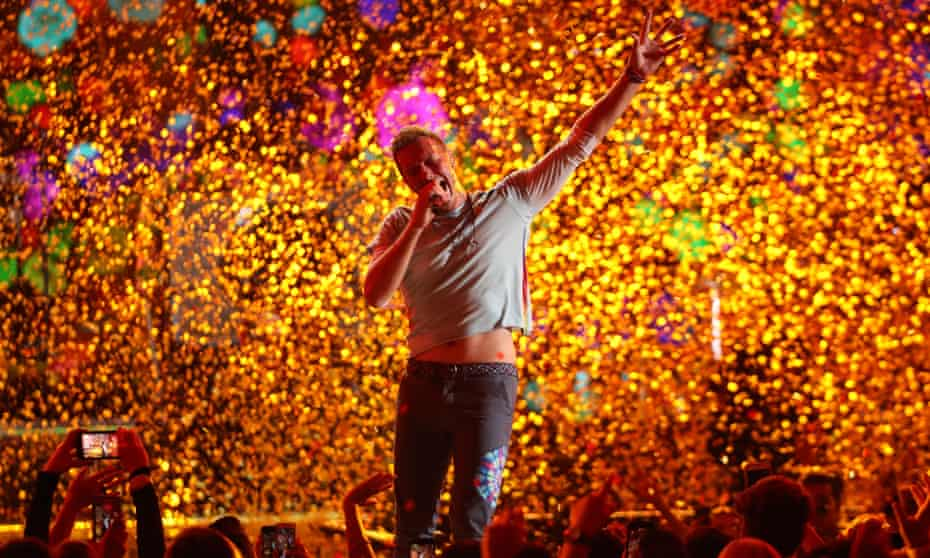 Chris Martin of Coldplay performing at the iHeart Radio festival, 22 September 2017.