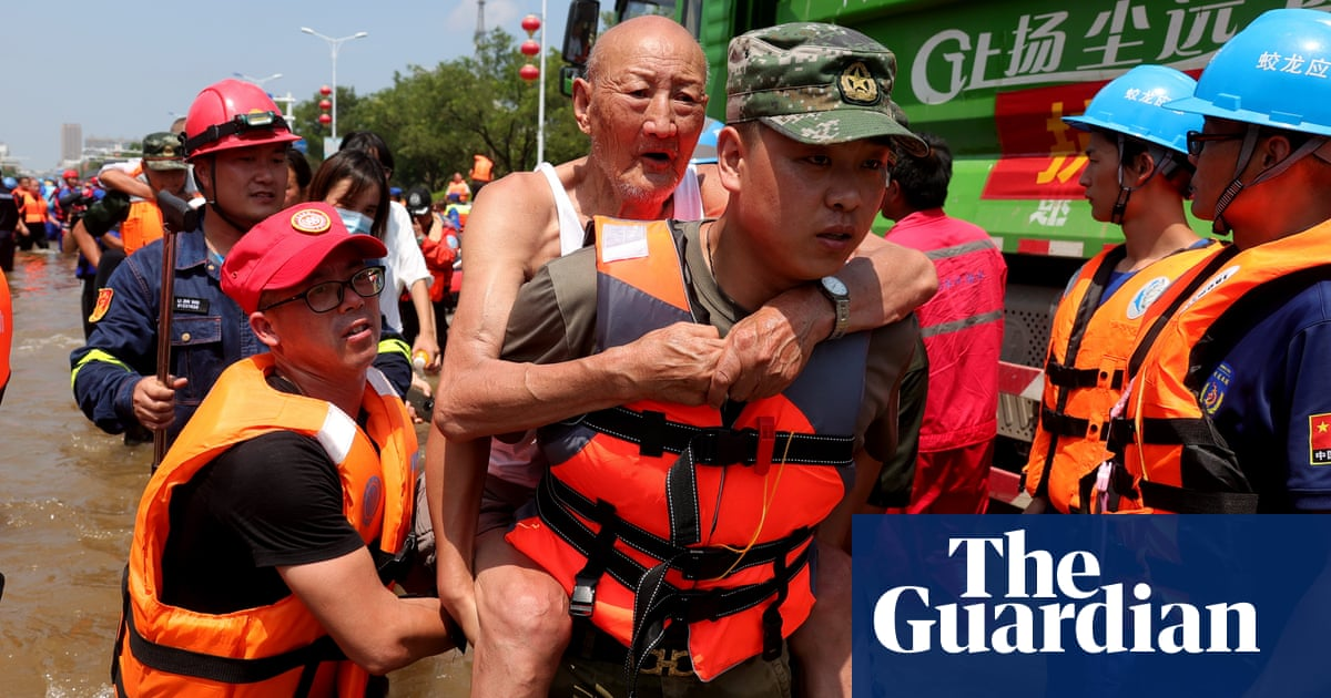 China floods death toll rises to 302 with 50 people still missing