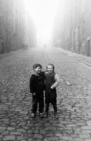 Arthur Street, 1960 The photographs capture striking images of the changing face of Britain's inner cities. Children playing in the streets held a particular fascination