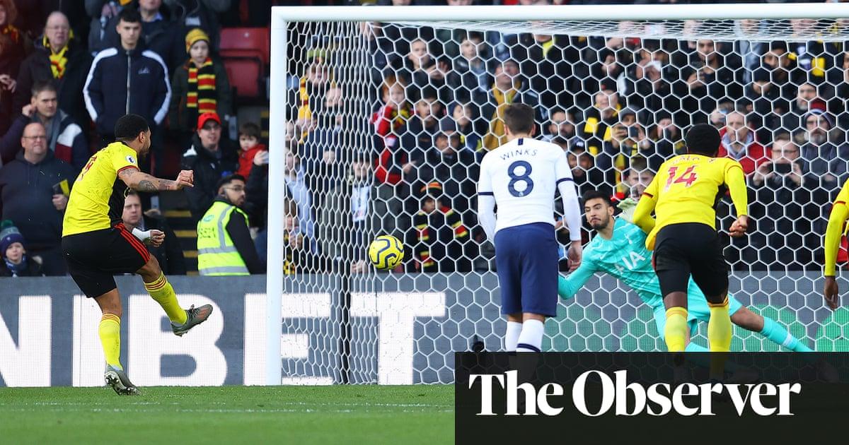 Tottenham's Gazzaniga saves Deeney penalty to earn draw at Watford