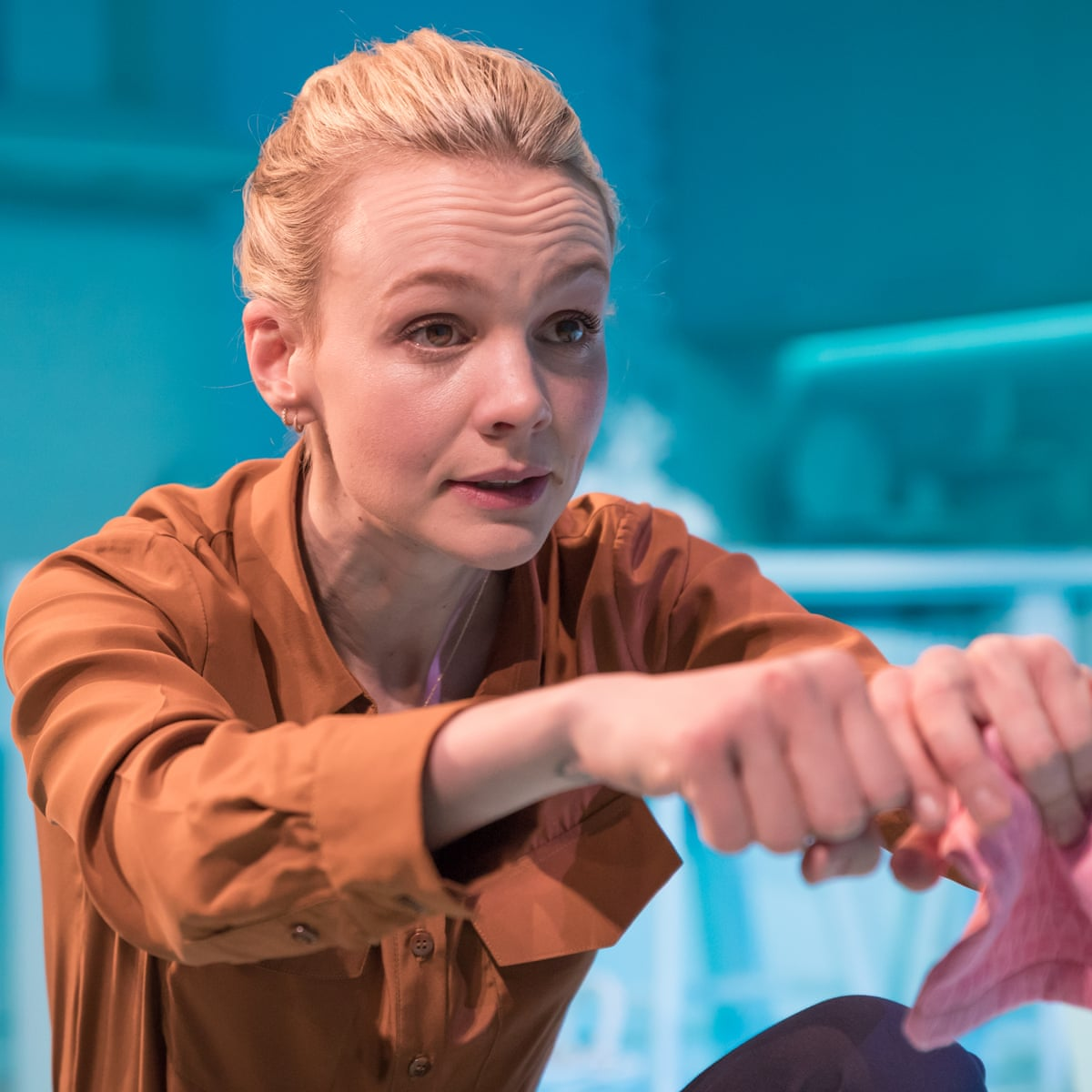 Girls and Boys review – gut-wrenching Carey Mulligan charts a ...