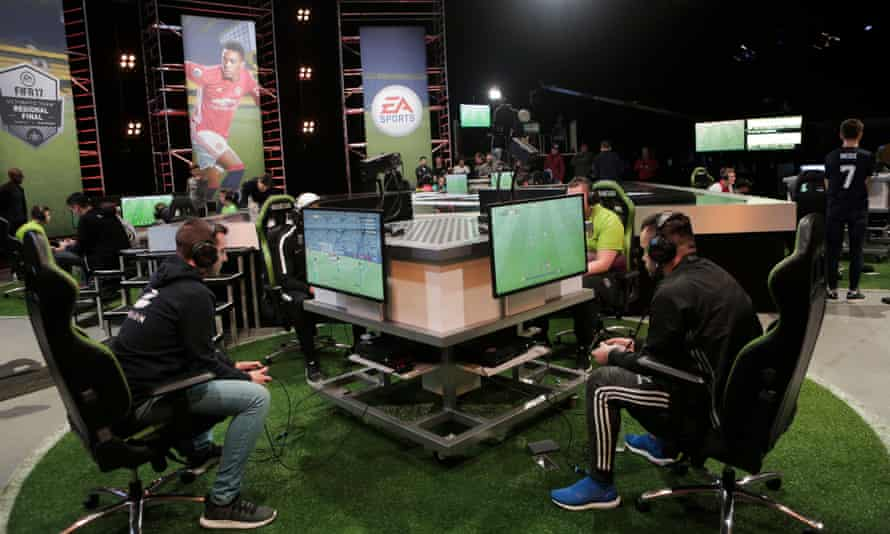 FIFA Ultimate Team gamers in action.