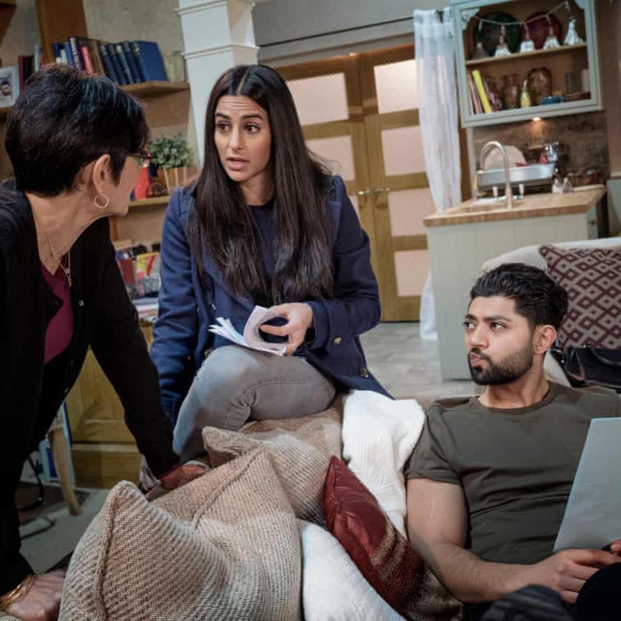 Shelley King (Yasmeen), Sair Khan (Alya) and Qasim Akhtar (Zeedan).