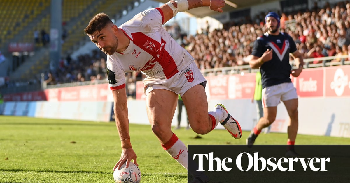 Tom Davies and Tommy Makinson star as England's early blitz stuns France