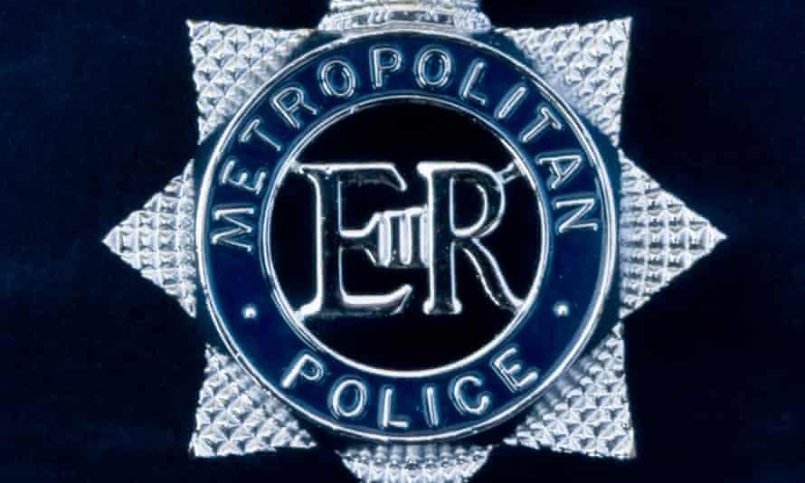 metropolitan police force badge