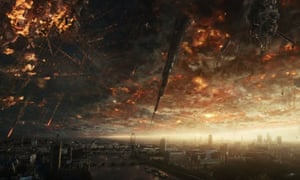 The sky is falling ... London comes under extraterrestrial attack in the new trailer for Independence Day: Resurgence.