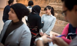 Syrian and Iraqi refugees are being trained as museum guides so that they can then provide guided tours for refugees in their native language
