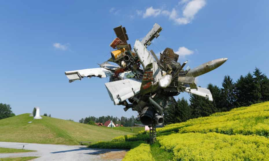 Sculpture, entitled Airplane Parts and Hills, by Nancy Rubins, at Austrian Sculpture Park