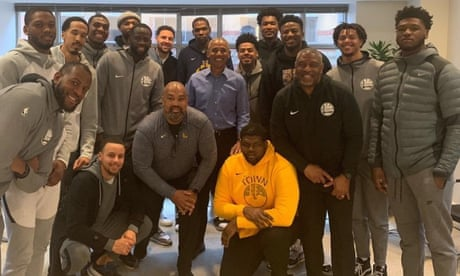 Warriors visit with Barack Obama instead of Donald Trump during DC trip