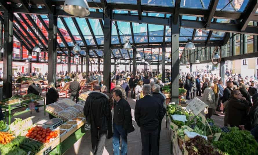 The market in New Bazaar.