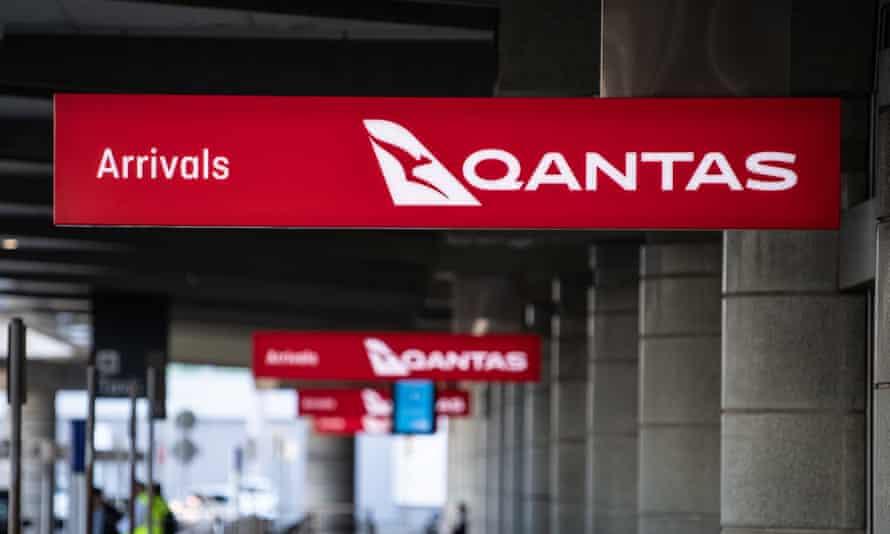 qantas sign at airport
